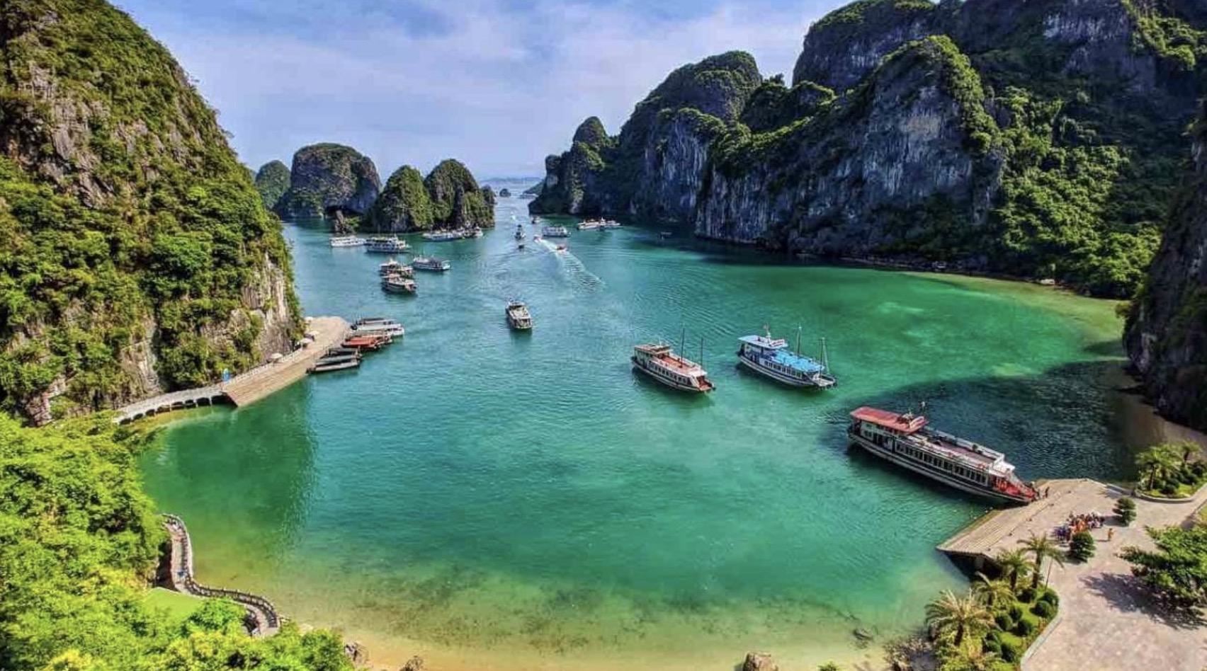 越南下龍灣景點推薦top10,絕美海灣、水上人家…人間仙境由此去