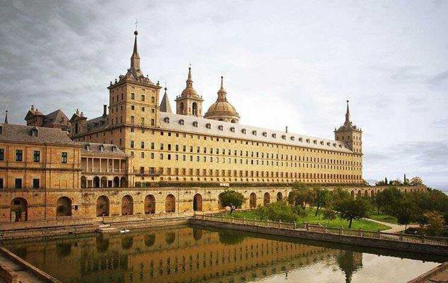 西班牙人自稱的世界第八大奇蹟,埃斯科里亞爾