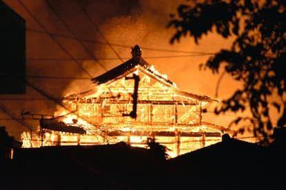[新聞] 家鄉遺產「首裡城」一夜燒燬 沖繩人的驕傲…愛紗崩潰哭了