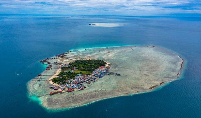 在世界頂級漫潛點「馬步島」,漫遊小型海洋生物樂園